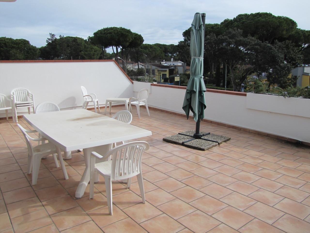 Appartamento in buone condizioni arredato in affitto Rif. 8637931