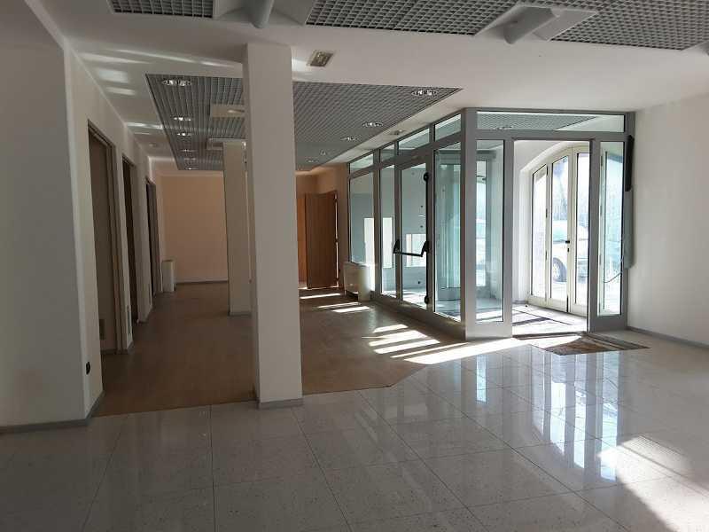 Locale commerciale - Oltre 3 vetrine a San Benedetto del Tronto Rif. 10748793