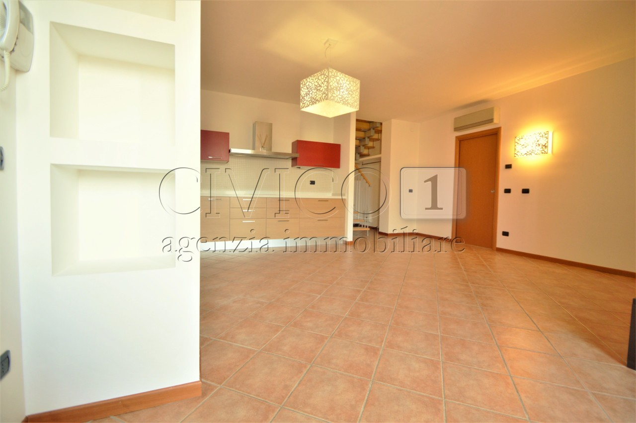 Appartamento in ottime condizioni in vendita Rif. 9720581