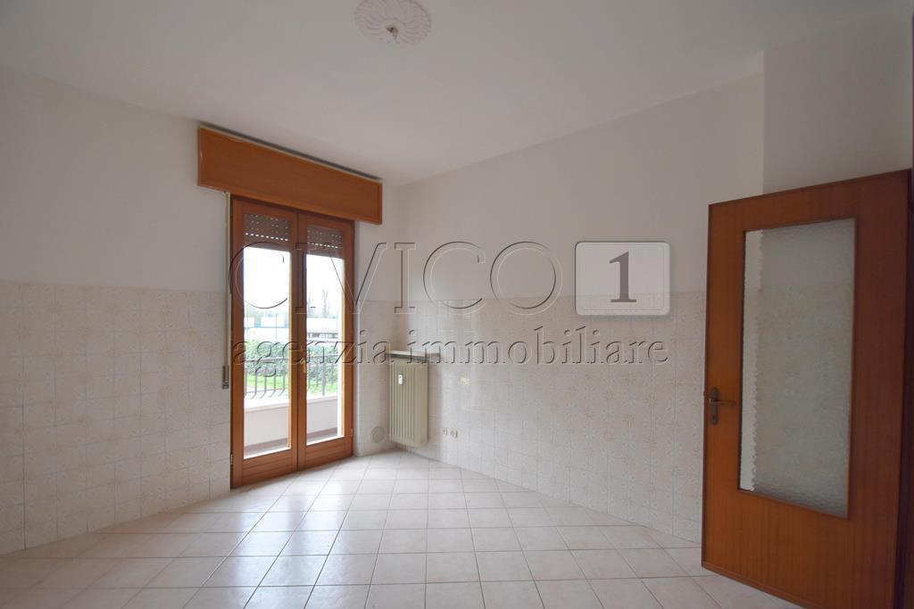 Appartamento in affitto a Vicenza, 5 locali, prezzo € 550   CambioCasa.it