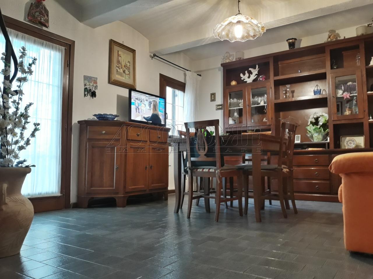 Porzione di casa in vendita Rif. 9331455