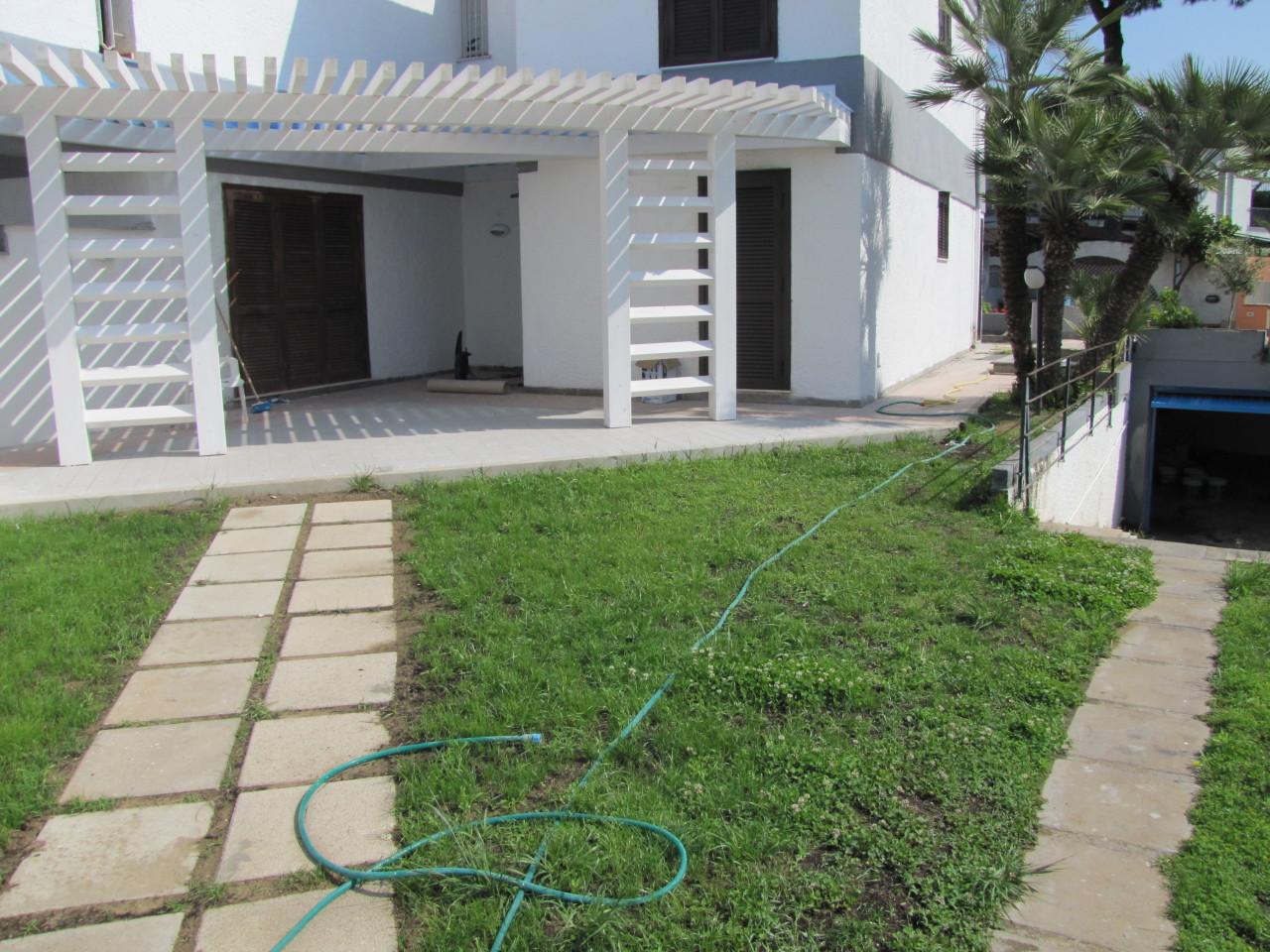 Appartamento in buone condizioni in vendita Rif. 4162446