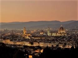 Attività commerciale in Vendita a Firenze, 22'000'000€, 3000 m², arredato