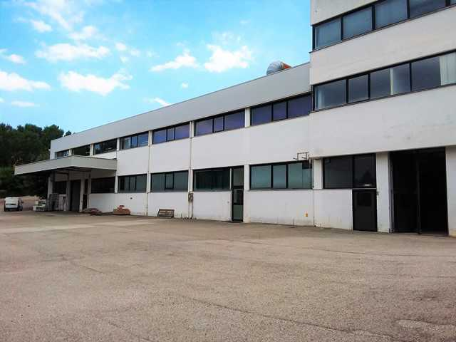 Capannone / Fondo - Industriale/Artigianale a San Benedetto del Tronto