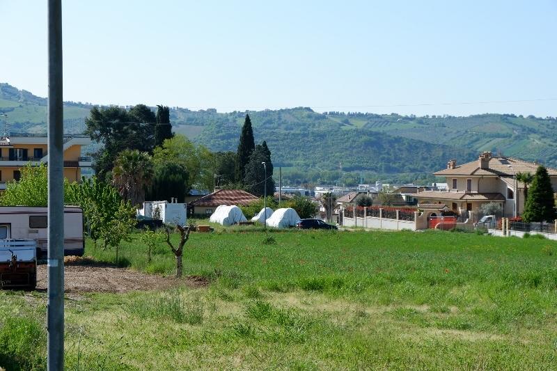 Terreno in buone condizioni in vendita Rif. 4144850
