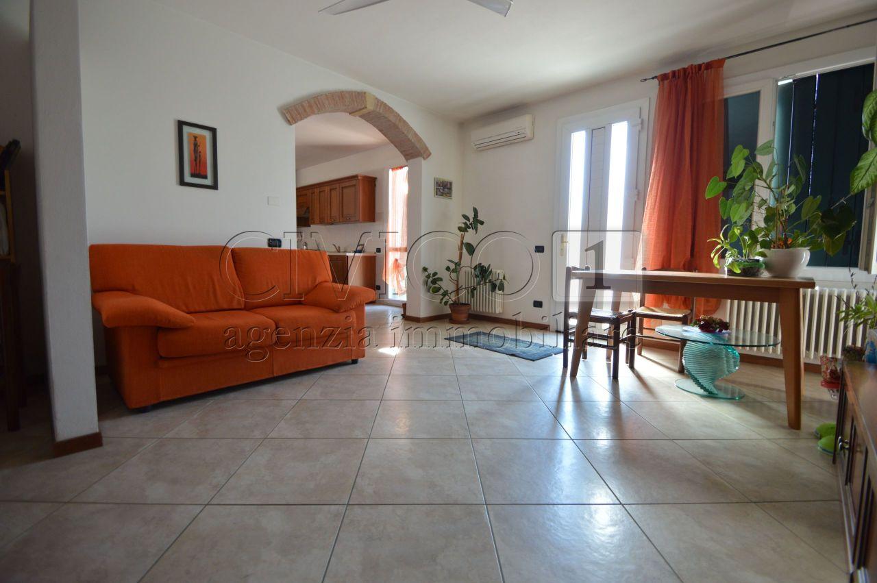 Appartamento in ottime condizioni arredato in vendita Rif. 7981178