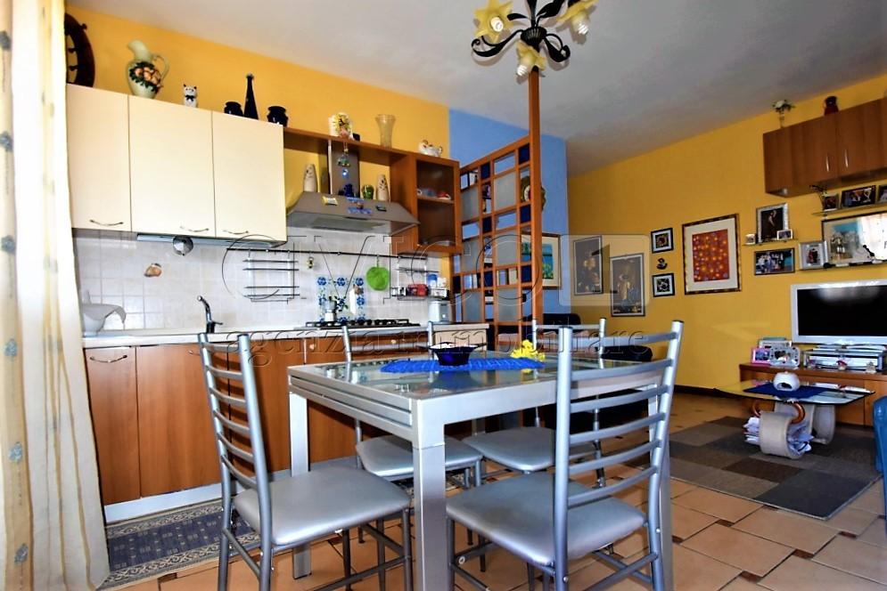 Appartamento in buone condizioni in vendita Rif. 5733132