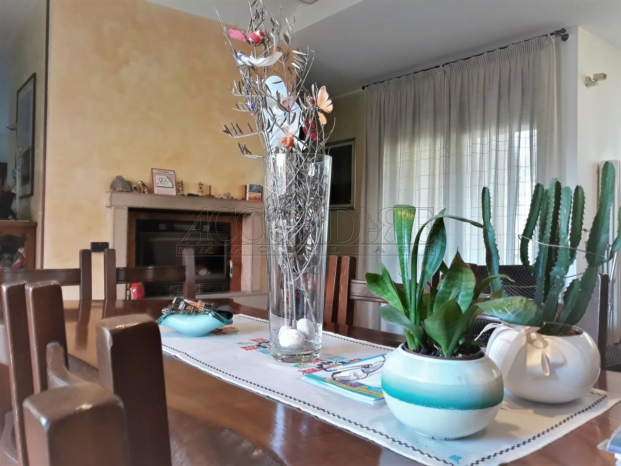 Casa Indipendente in vendita Rif. 9418777