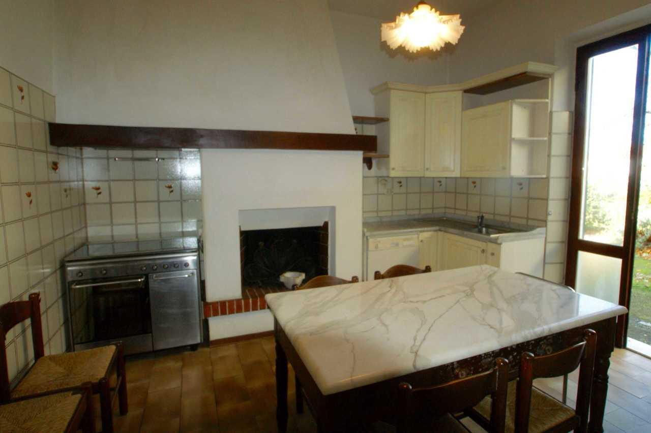 Casa semindipendente in vendita, rif. 2840