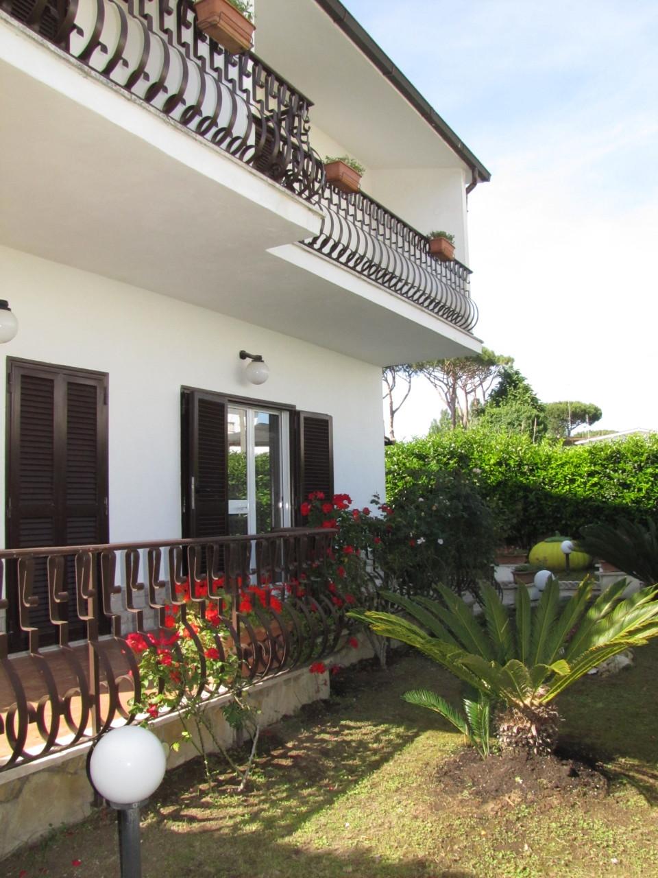 Villa ristrutturato arredato in vendita Rif. 4162493
