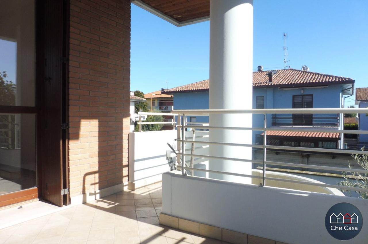 Appartamento in vendita a Cesena, 4 locali, prezzo € 169.000   CambioCasa.it