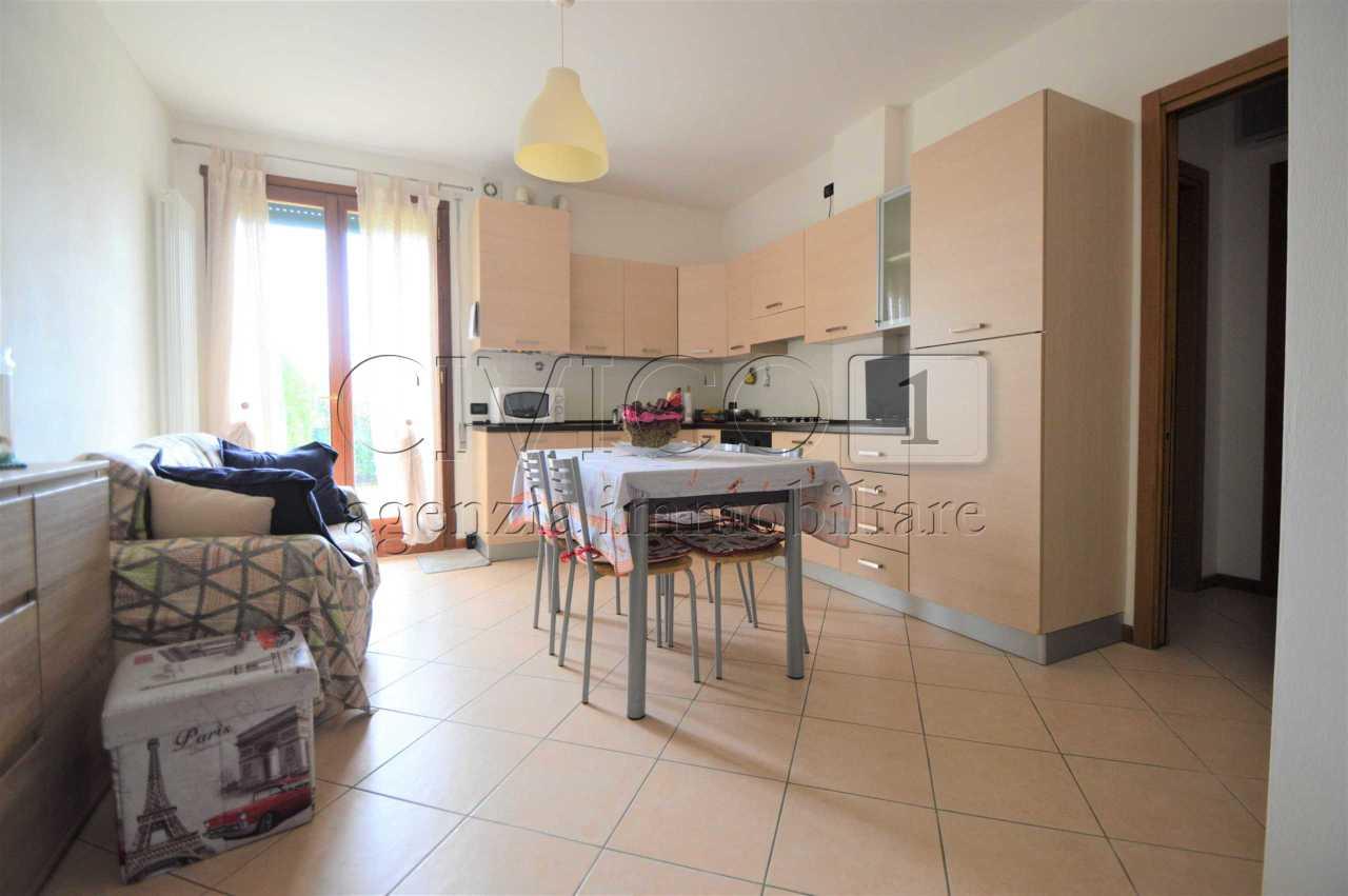 Appartamento in ottime condizioni arredato in vendita Rif. 6562622