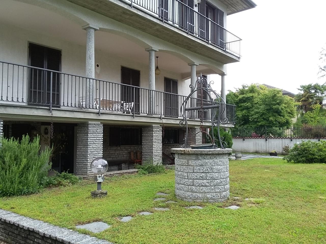 Appartamento in vendita a Castronno, 5 locali, prezzo € 230.000   PortaleAgenzieImmobiliari.it