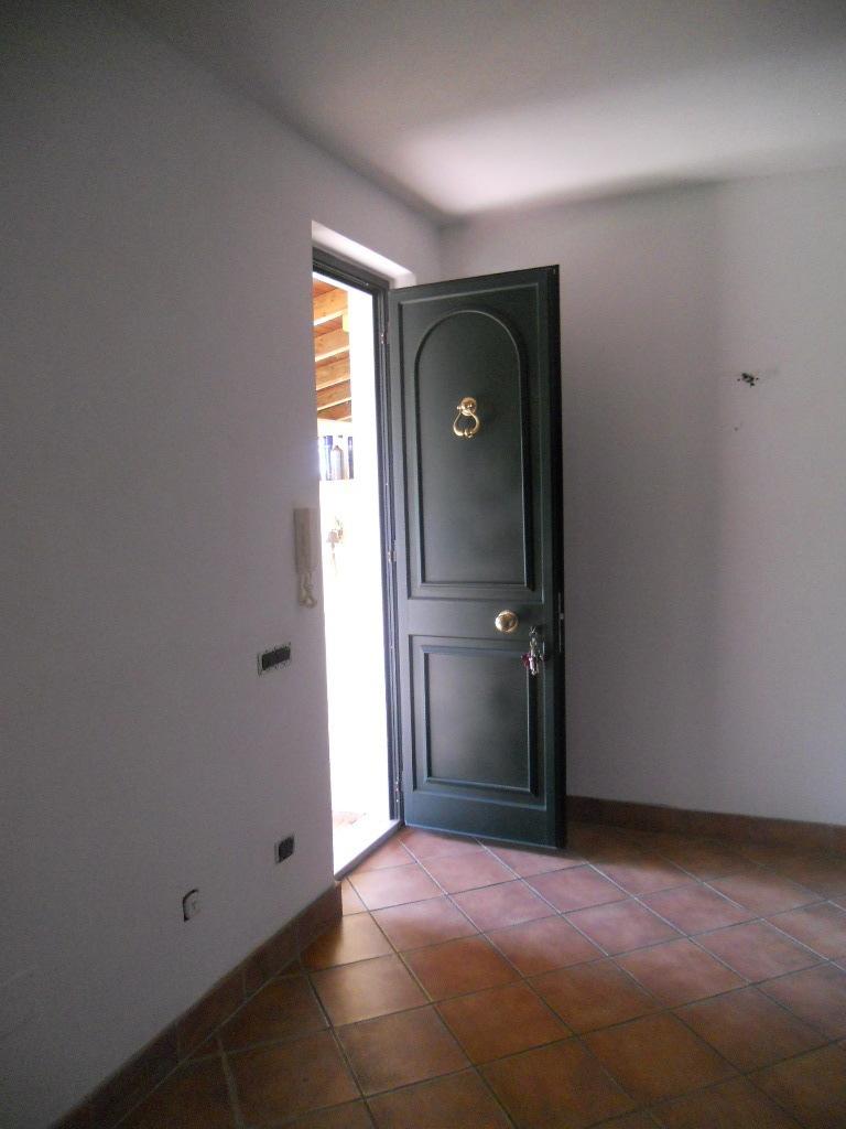 Casa semindipendente in vendita, rif. 2025