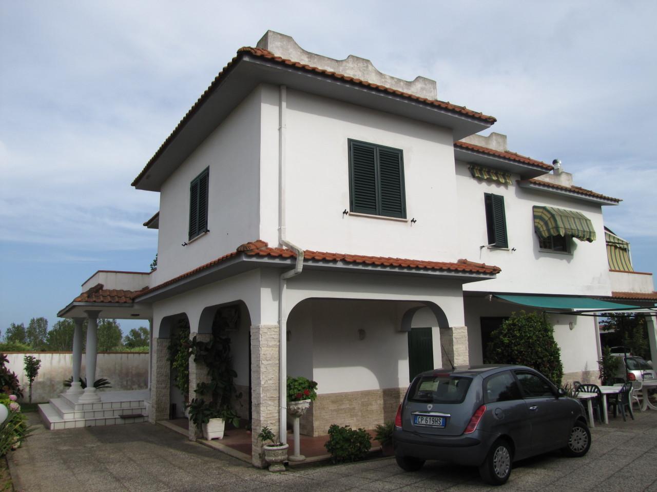 Villa in buone condizioni in vendita Rif. 7924252
