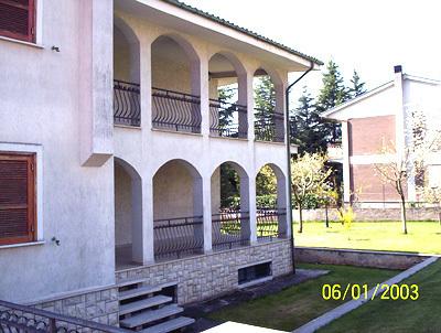 Villa in buone condizioni in vendita Rif. 4162530