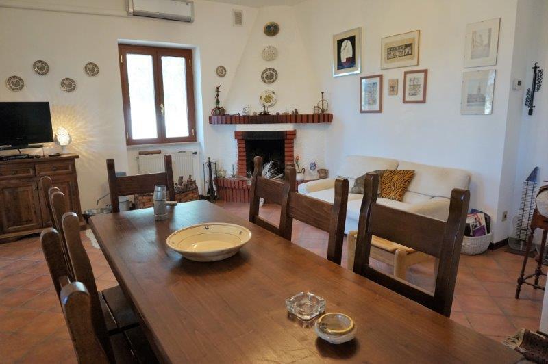 Villa in buone condizioni in vendita Rif. 11139048