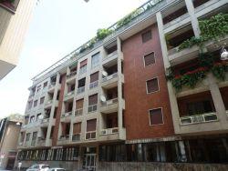 Immobile commerciale in Vendita a Milano, zona 025 Navigli/Ticinese/P.ta Genova, 195'000€, 165 m²