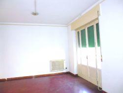 Appartamento in Affitto a Livorno, zona Marradi, 650€, 140 m²