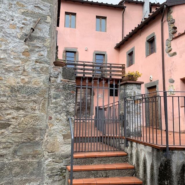 Appartamento in vendita a Bagni di Lucca, 9999 locali, prezzo € 70.000 | CambioCasa.it