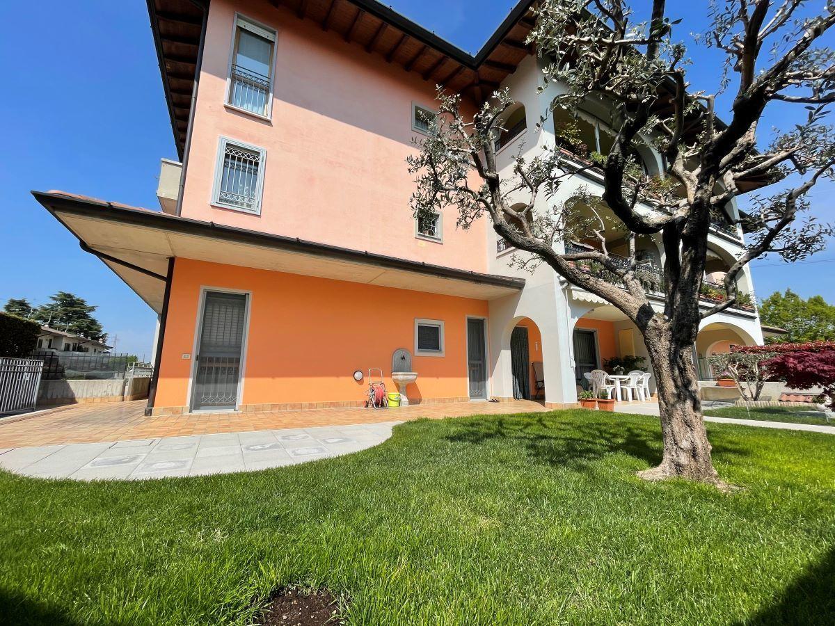 Appartamento in vendita a Chiari, 5 locali, prezzo € 225.000 | CambioCasa.it