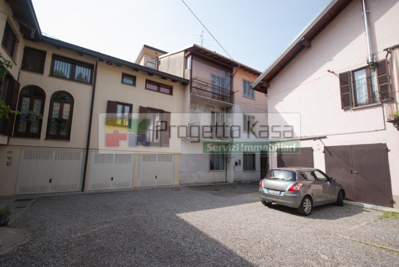 Appartamento in vendita a Tradate, 3 locali, prezzo € 59.000 | CambioCasa.it