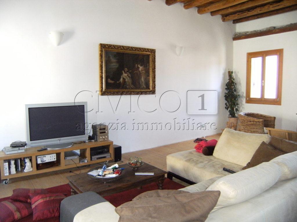 Soluzione Semindipendente in vendita a Castegnero, 10 locali, prezzo € 193.000 | CambioCasa.it