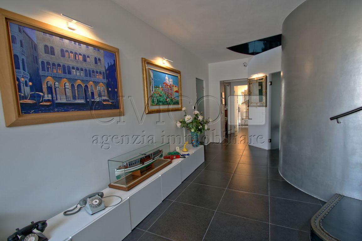 Casa Indipendente in ottime condizioni in vendita Rif. 9191161