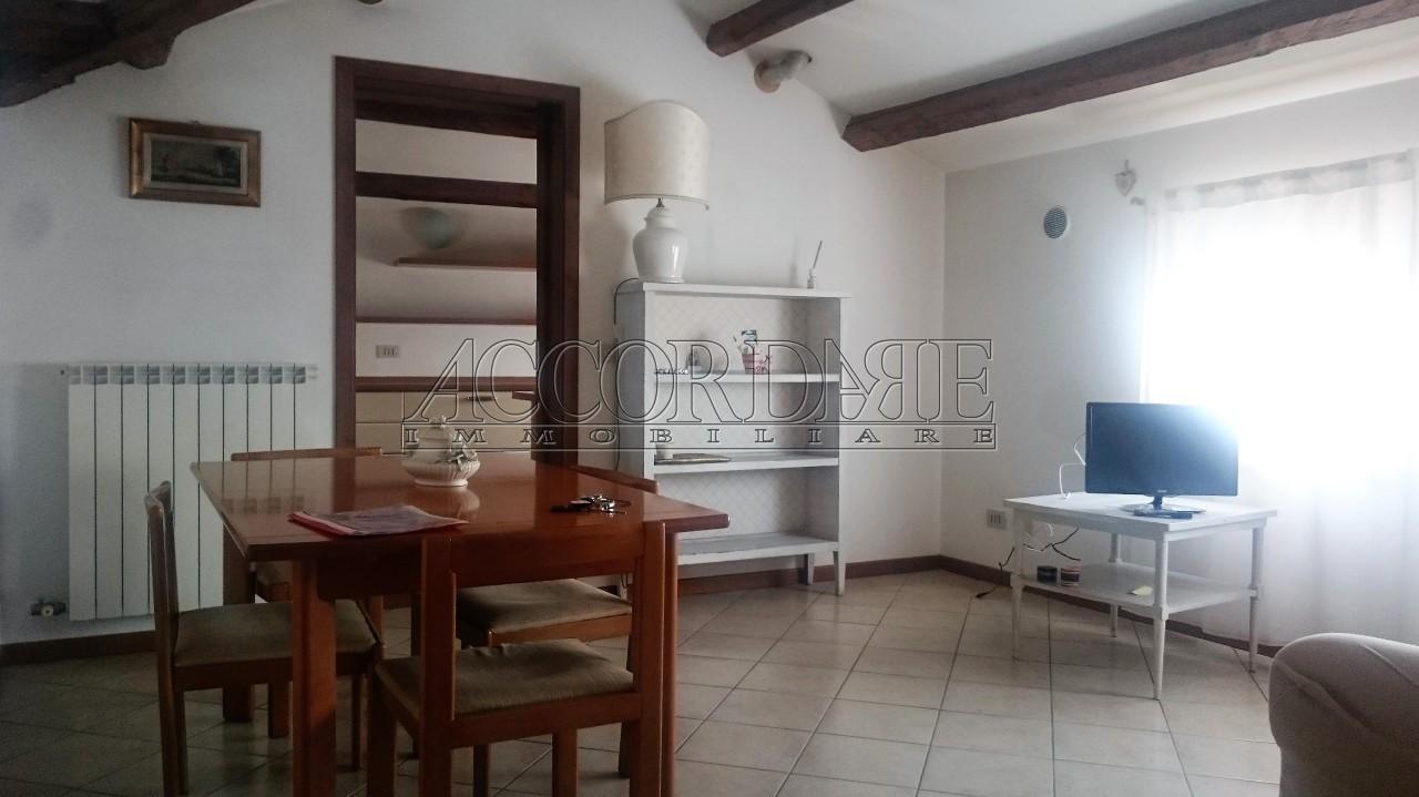 Appartamento in vendita a Padova, 3 locali, prezzo € 73.000 | PortaleAgenzieImmobiliari.it
