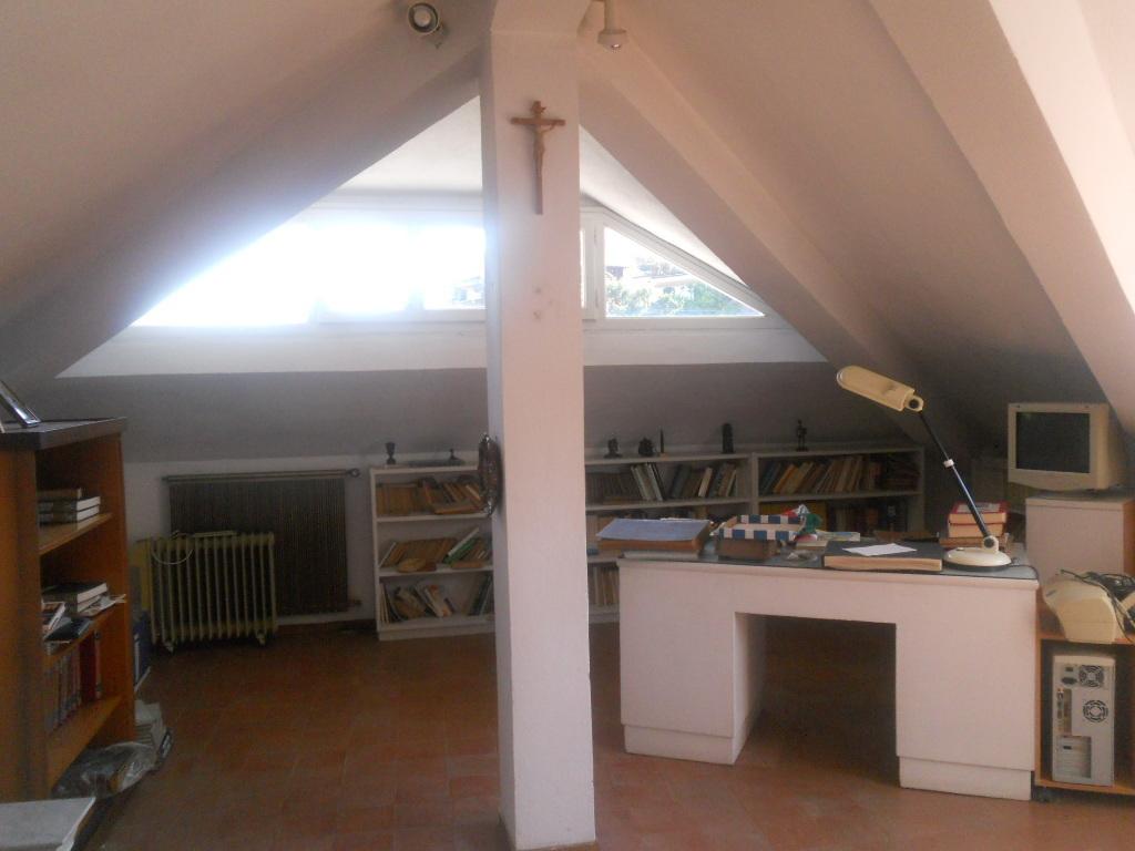 Casa semindipendente in vendita, rif. 2087