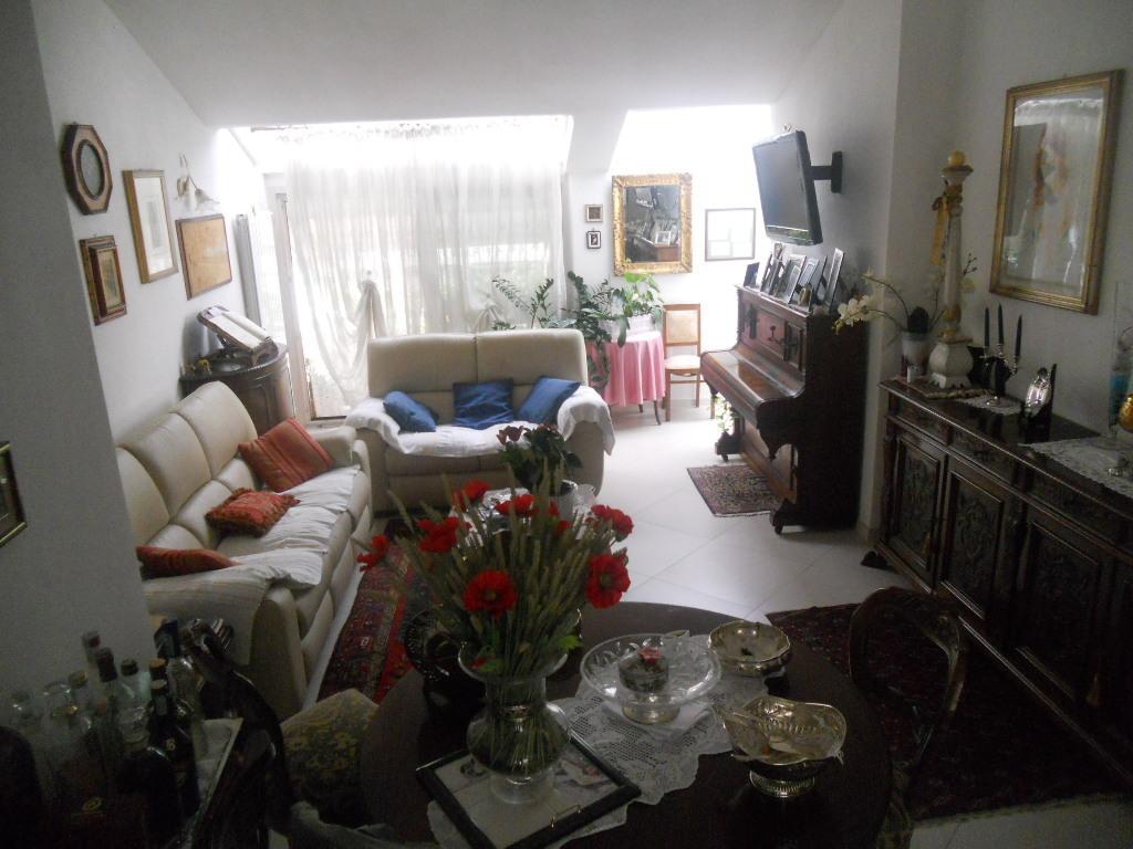 Casa semindipendente in vendita, rif. 2100
