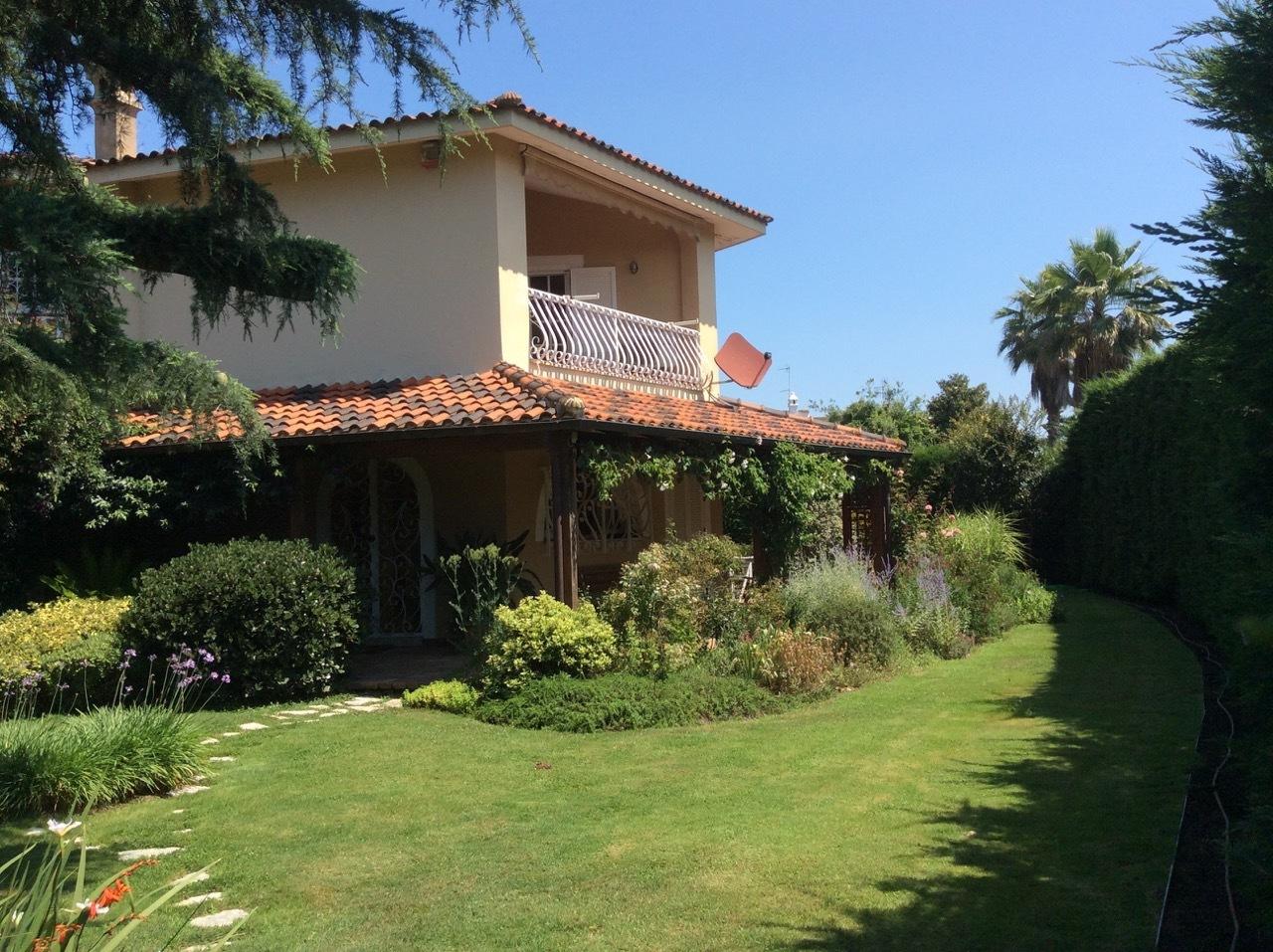 Villa in buone condizioni in vendita Rif. 4162494