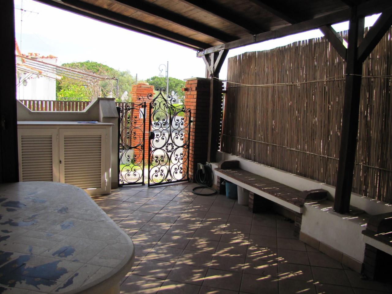 Appartamento in buone condizioni in vendita Rif. 4162588