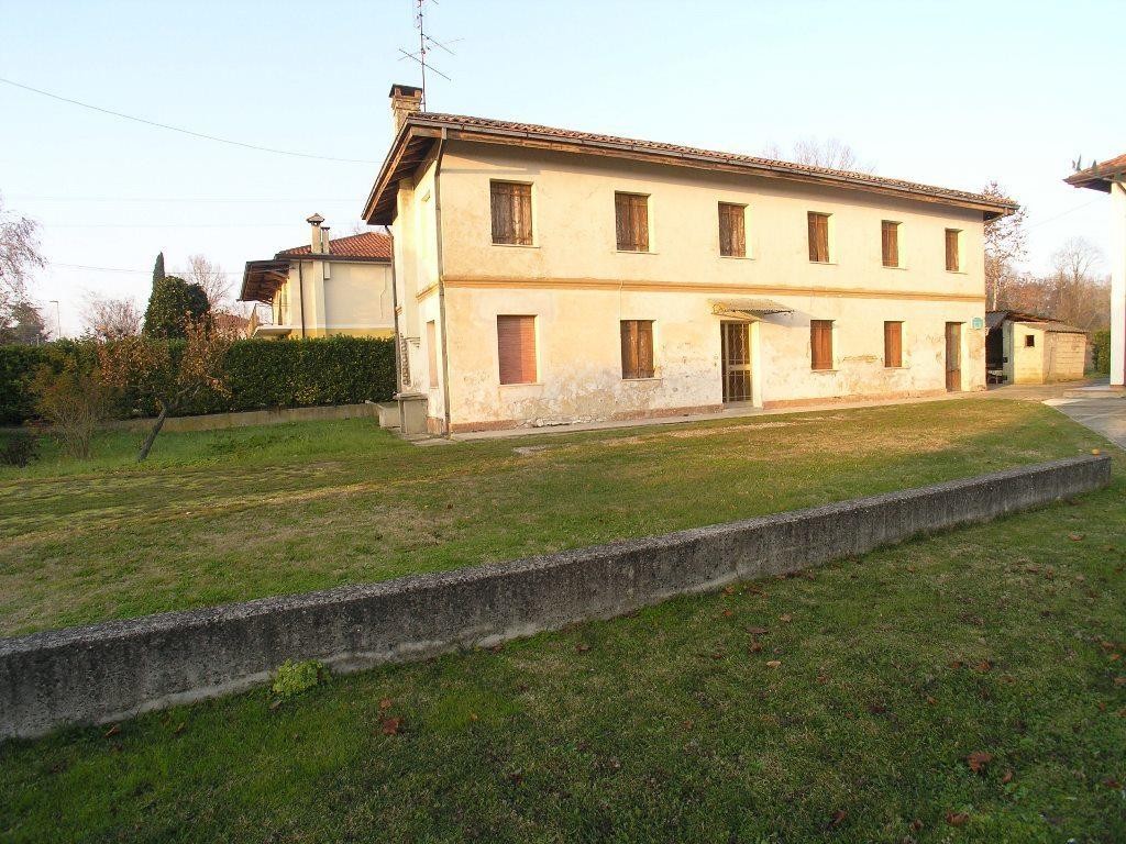 Soluzione Indipendente in vendita a Precenicco, 10 locali, prezzo € 70.000 | CambioCasa.it