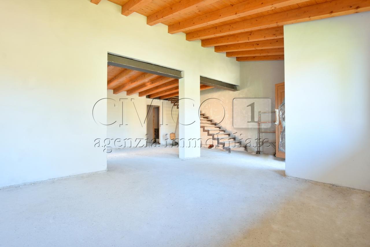 Villetta a schiera in vendita Rif. 11002964