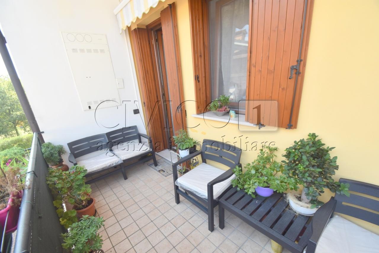 Appartamento in ottime condizioni in vendita Rif. 11085959