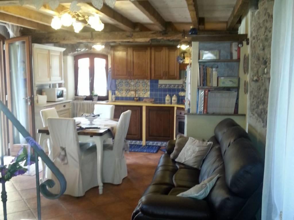 Casa semindipendente in vendita, rif. 2812
