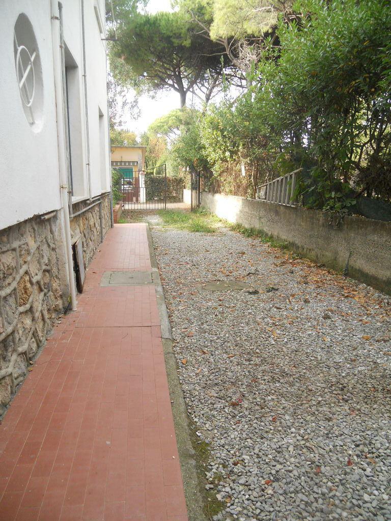 Casa semindipendente in vendita, rif. 2413