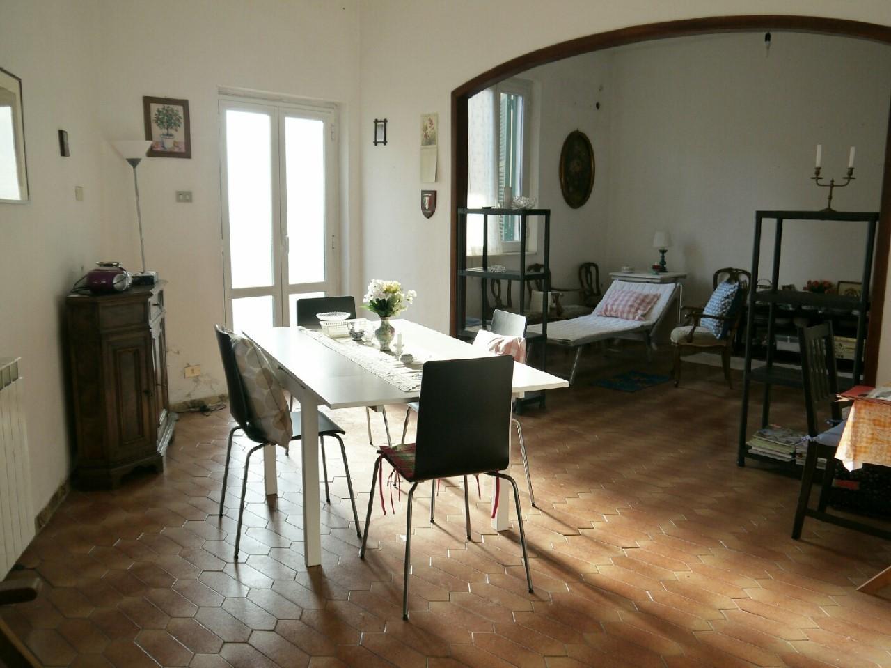 Casa semindipendente in vendita, rif. 2663