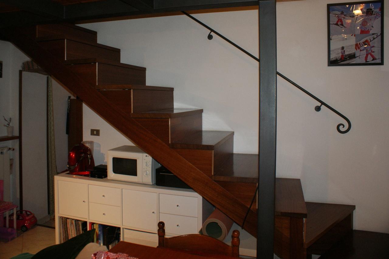 Casa semindipendente in vendita, rif. 2480