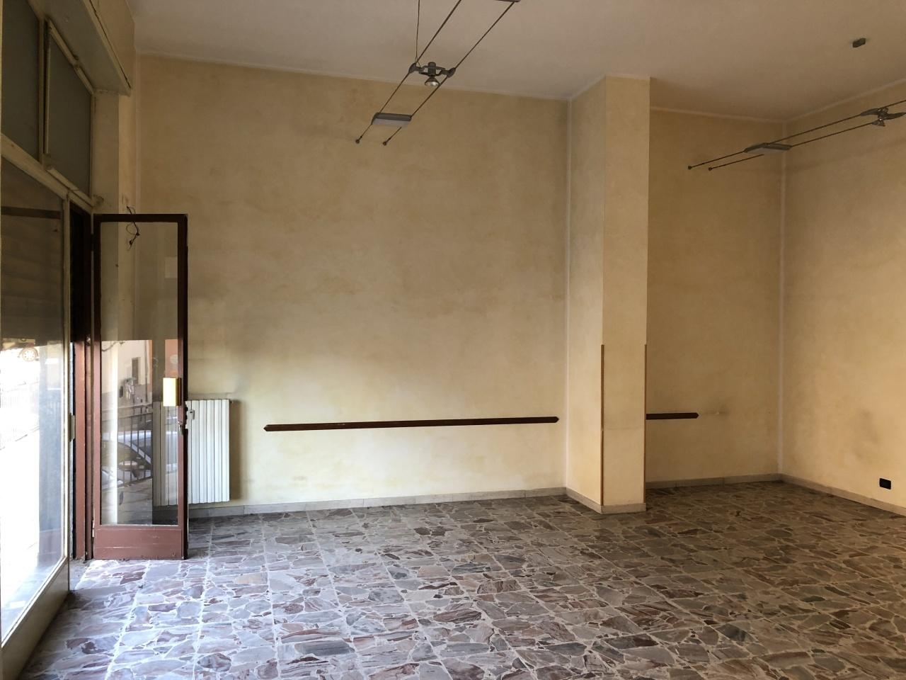 Locale commerciale - 2 Vetrine a Piossasco Rif. 9552355