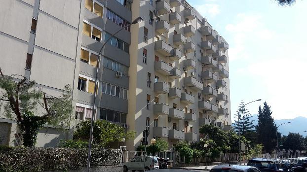 Appartamento in ottime condizioni in vendita Rif. 10090735