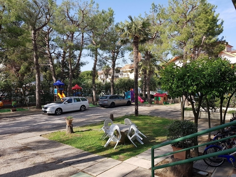 Albergo in vendita a San Benedetto del Tronto, 50 locali, Trattative riservate | CambioCasa.it