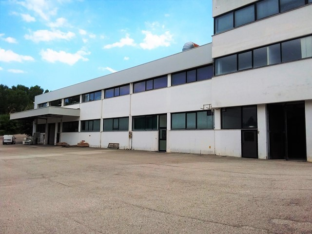 Capannone / Fondo - Industriale/Artigianale a Acquaviva Picena Rif. 4144747