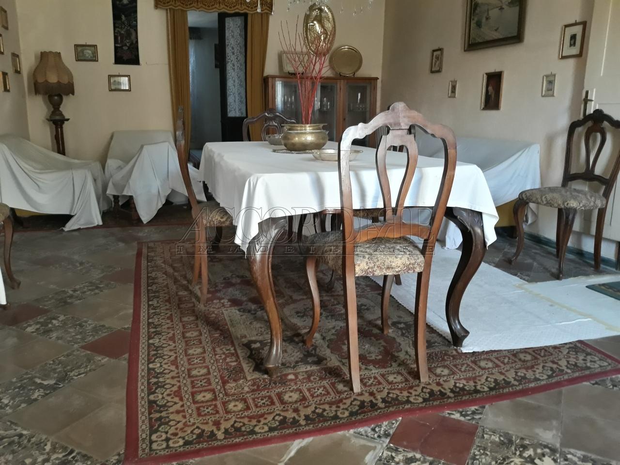 Casa Indipendente in discrete condizioni in vendita Rif. 9998115