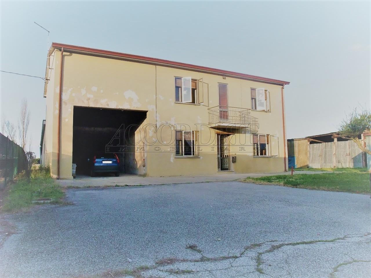 Casa Indipendente in vendita Rif. 8960163