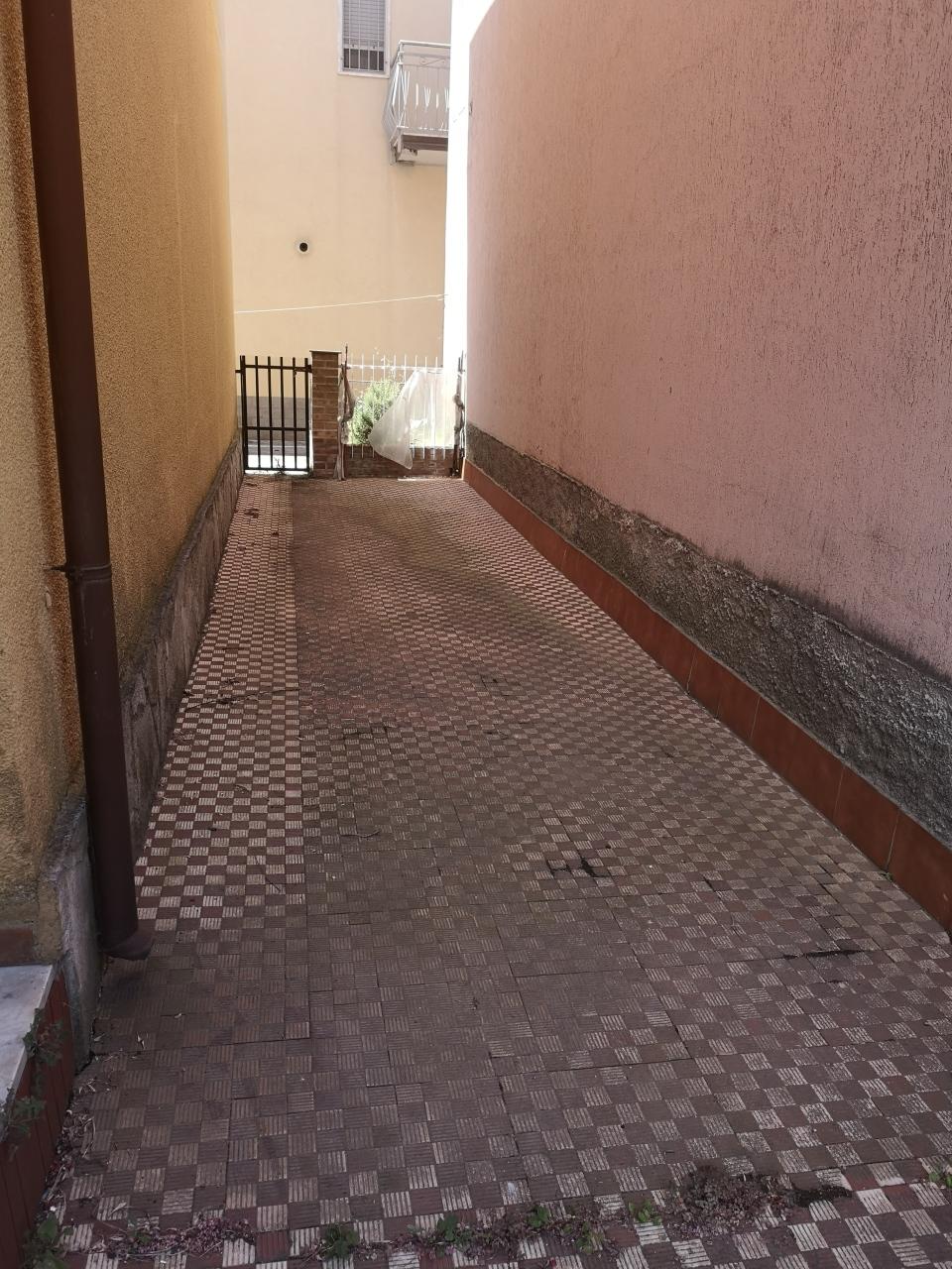 Casa semindipendente in vendita, rif. 2888