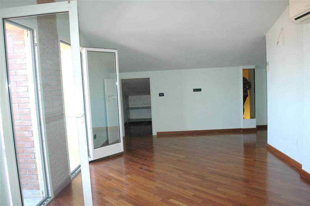 Appartamento in vendita, rif. 2711