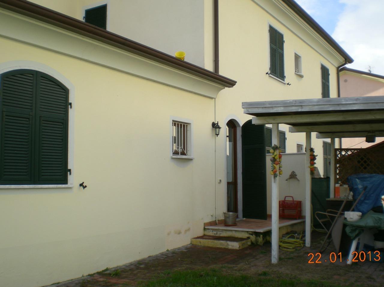 Casa semindipendente in vendita, rif. 2214
