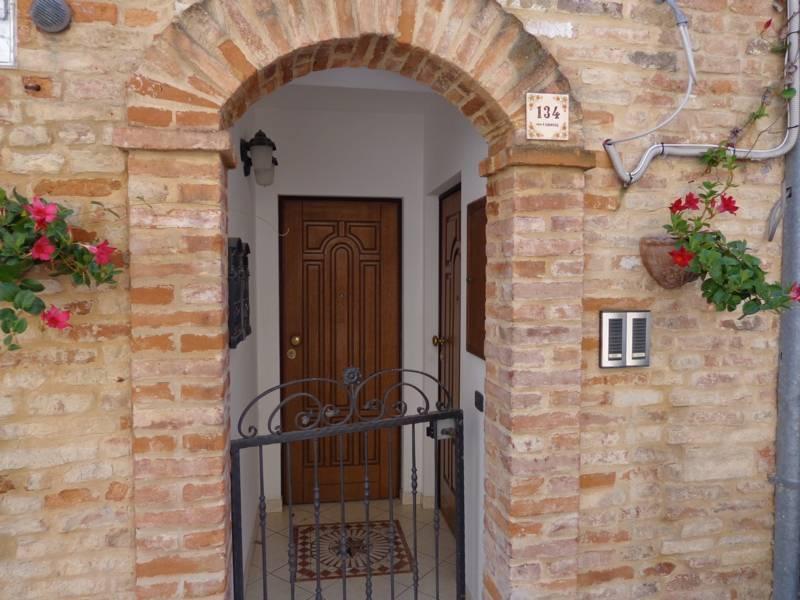 Casa Indipendente ristrutturato arredato in vendita Rif. 9044551